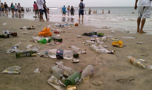 Sancionarán penalmente a quienes ensucien ríos y playas