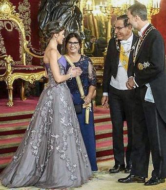 Presidente fue recibido el 27 de febrero por el Rey de España, a quien le hicieron un '